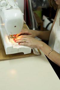 תמר ברניצקי היא מעצבת ואמנית טקסטיל